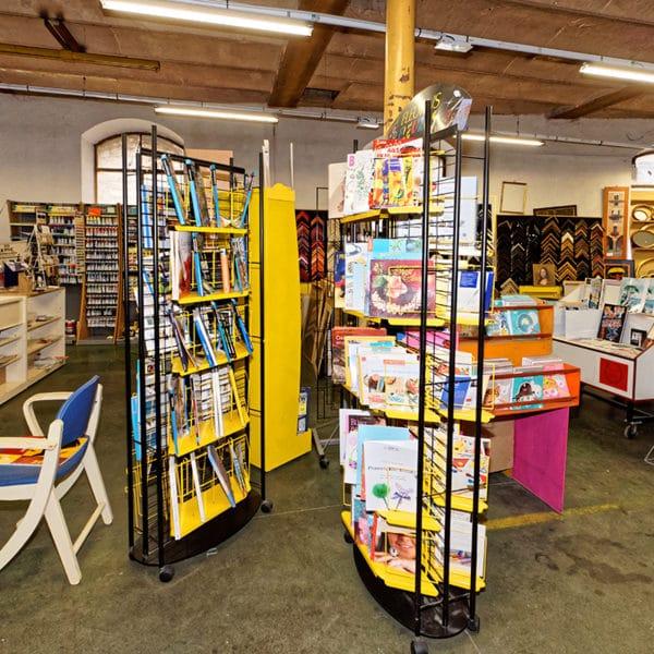 rayons-librairie-creative-2